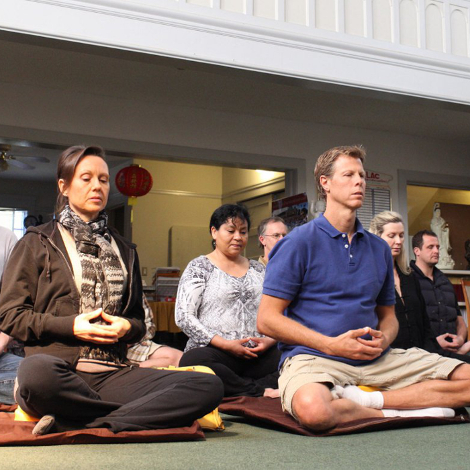 Four reasons to meditate as a group